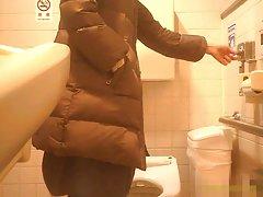 Maman mature public salle de repos